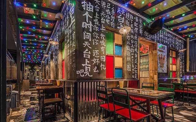 一季度深圳餐饮业营收大涨超七成 企业纷纷发力餐饮新零售